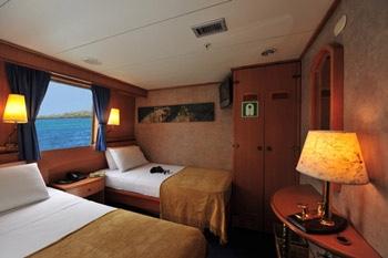 coral3-galapagos-cruise